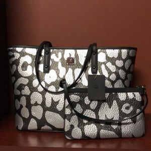 MCM Anya Leopard Print Medium Top Zip Tote!